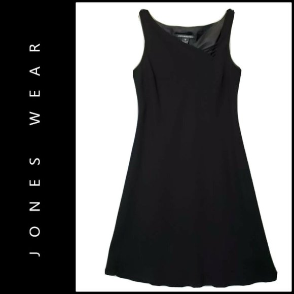 Jones Wear Dresses & Skirts - Jones Wear Women's Sleeveless Shift Dress Black 8